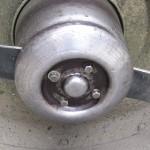 歩行型草刈機の修理 (2)回転刃カバーのベアリング軸受けを交換