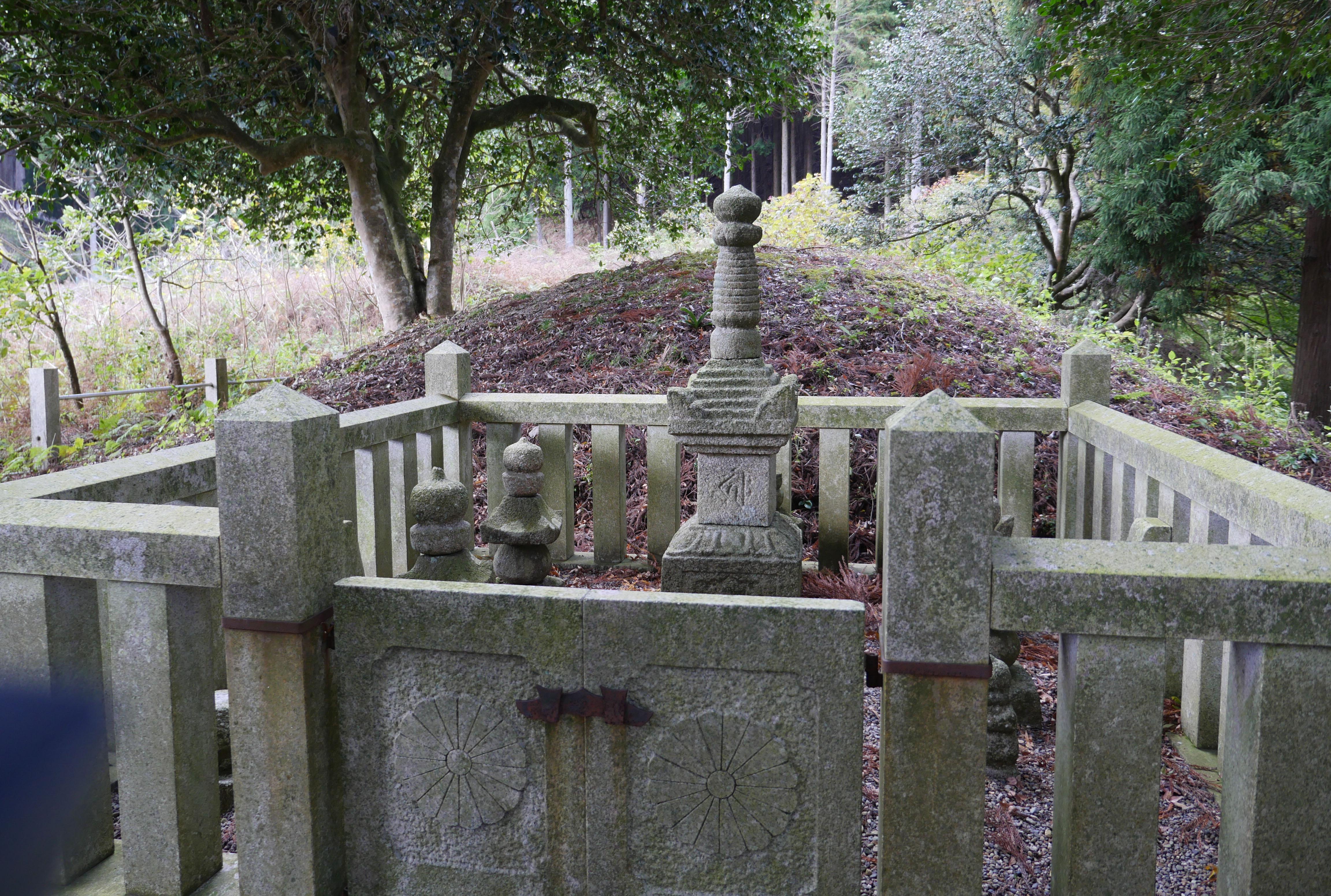 惟喬親王の墓
