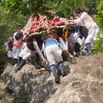 近江・伊庭の坂下し祭り ~ こんな勇壮な奇祭が滋賀県にあった