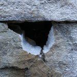 石垣に穴を開ける