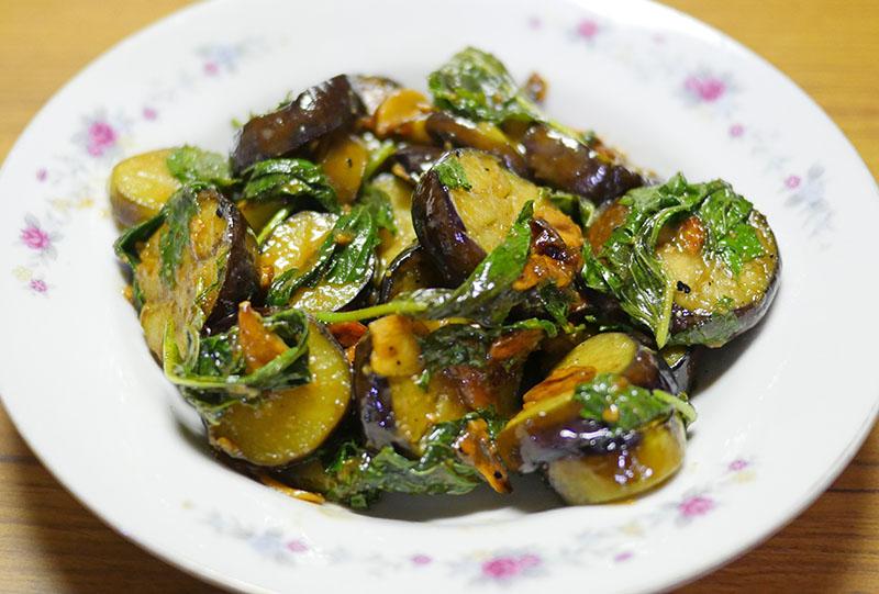 茄子と大葉の炒め物