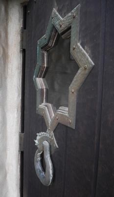 玄関扉の鶏