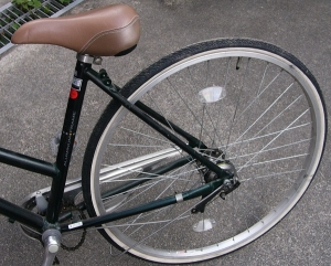泥除けカバーを外した自転車