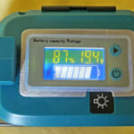 マキタバッテリー用USBアダプタに残容量・電圧表示を追加